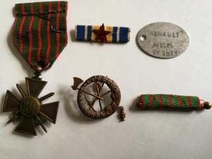 Croix de guerre - plaque d'identification - insignes d'Albert Venault (Photo JPh T)