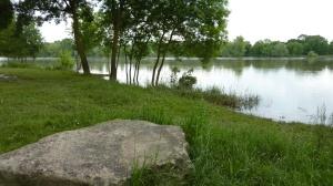 Non loin du lieu des fusillades sur la Loire