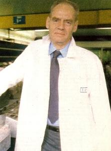 Pierre Pellerin dans son labo de comptage au Vésinet  (Ph. Paris Match)