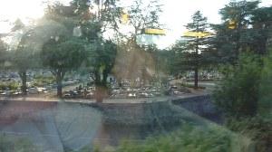 Cimetière de l'Est, vu du TGV Paris Nantes