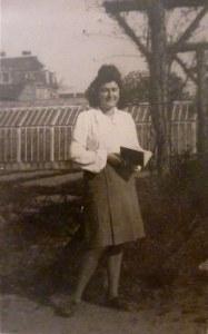 Au jardin fruitier en 1945 ...